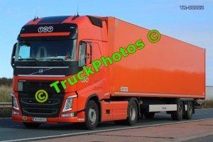 TR-00002 Volvo FH Reg:- VO496CL Op:- TNT