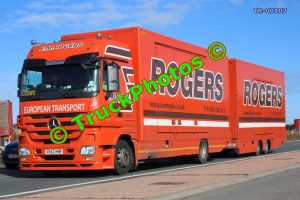 TR-00107 Mercedes  Reg:- VK62HNR Op:- Rogers