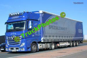TR-00144 Mercedes  Reg:- GPSG558 Op:- Spezialeinheit