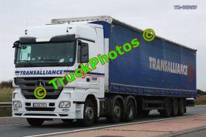 TR-00267 Mercedes  Reg:- LXN701 Op:- Transalliance