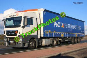TR-00297 MAN  Reg:- HUU918 Op:- P&O Ferrymasters