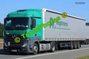 TR-00679 Mercedes Actros Reg:- HJS114 Op:- Hoptrans