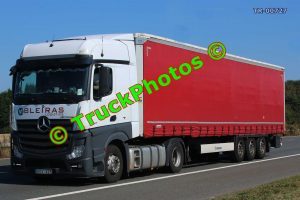 TR-00727 Mercedes Actros Reg:- HOV625 Op:- Bleiras Logistics