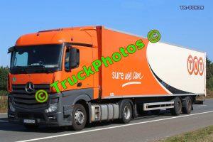 TR-00818 Mercedes Actros Reg:- PO9H884 Op:- TNT