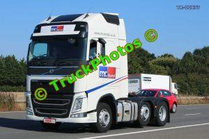 TR-00877 Volvo FH Reg:- 58641 Op:- MC Rental