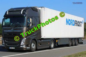 TR-00922 Volvo FH Reg:- HPS330 Op:- NordFrost