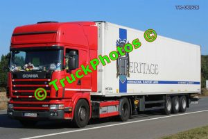 TR-00928 Scania 420 Reg:- BR05HZS Op:- Heritage