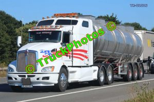 TR-01016 KW  Reg:- BC609XH Op:- Tank Liner Express